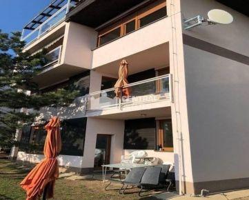 3- izbový byt v exkluzívnej vile s krásnym výhľadom na prenájom v Starom meste