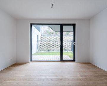1 izbový byt s priestrannou predzáhradkou Koliba Nové Mesto