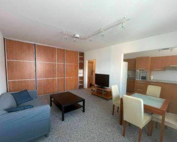 Prenájom pekný 3 izbový byt, Ľudovíta Fullu, Bratislava IV Karlova Ves