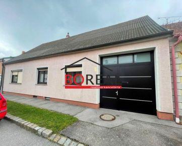 ** RK BOREAL ** Rodinný dom s garážou v Kittsee, Rakúsko len 5km od Bratislavy.