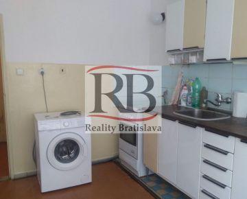 Na prenájom 3 izbový byt na Niťovej ulici v Ružinove, BAII