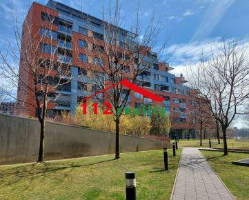 112reality - Na prenájom nadštandardný 3 izbový byt, balkón, garážové státie, novostavba Karloveské rameno
