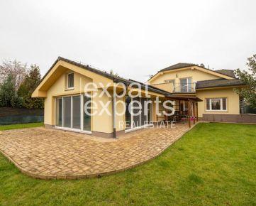 Prekrásna rodinná vila, 3 podlažia, 6 izieb, 654m2, bazén, sauna