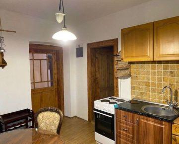 Prenajmem veľký 1 izbový byt v rodinnom dome dobre dostupný do centra Zvolena