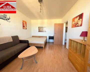 Ponúkame na predaj 1-izbový byt s krásnym výhľadom na ulici Karola Adlera, lokalita Bratislava IV-Dúbravka