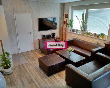 COMFORT LIVING ponúka - Nadštandardný 2 izbový byt s krbom, klimatizáciou, vonkajšími parkovacími státiami, 2 x WC, BAZÉN, udržiavaná záhrada prístupná iba pre vlastníkov