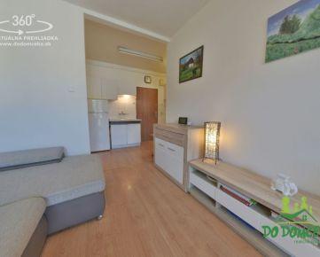 REZERVOVANÉ 2-izbový byt s lodžiou na ulici Továrenská, Vlkanová