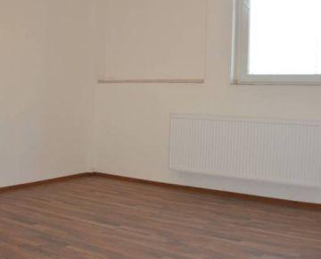 Ponúkame na prenájom zrekonštruované kancelárske priestory - 93 m2