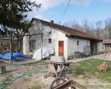 Rodinný dom pri malom Dunaji v prírodnej časti Orechovej Potône, 40 km od Bratislavy