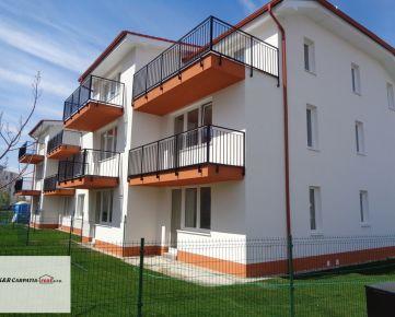 K&R CARPATIA-real *  1i byt s predzáhradkou - 25 m2 vo Vila dome v štandarde a parkovacím státím - Slovenský Grob