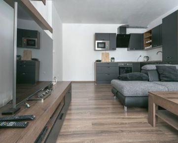 Rezervované | Invest & Real |Novostavba 2 izbový byt - Zelená stráň Residential Park