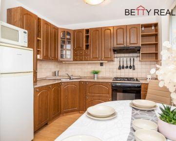 5i byt BA - Rača, Hečkova, 72,32 m2, v zeleni pod vinohradmi, výborne dispozične riešený - bývať či investovať ?...... IHNEĎ