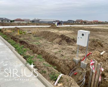 NEW! SENEC – stavebný pozemok 560 m2 v projekte JUŽNÁ BRÁNA, všetky INŽINIERSKE SIETE