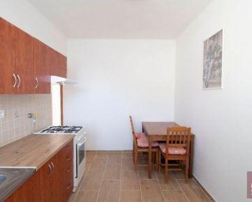 Prenájom 2 - izb. bytu v Ružinove na Trenčianskej ul.