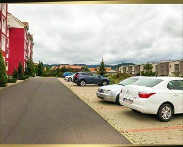 Vonkajšie parkovacie státie na Pršianskej Terase