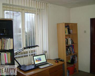 SPLŇTE SI S NAMI SVOJ SEN O NOVOM BÝVANÍ, ponúkame 3 izb. byt v centre Nitry, Štefánikova ul. (3184)