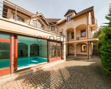 7-izb dom s bazénom, Záhorská Bystrica, 472m2 dom, 1692m2 pozemok