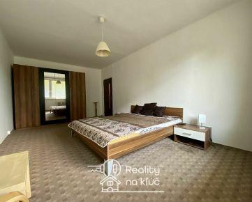 Krásny, veľký a priestranný 3-izbový byt po rekonštrukcii v Nových Zámkoch