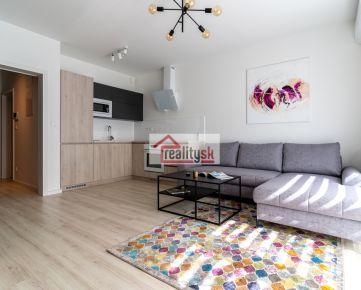 Prenájom útulne zariadeného 1i bytu (novostavba s veľkou murovanou pivnicou, balkónom, klimatizáciou)
