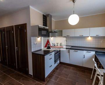 Na prenájom pekný 2 izbový byt, v blízkosti CENTRA Košíc, rekonštruovaný, zariadený