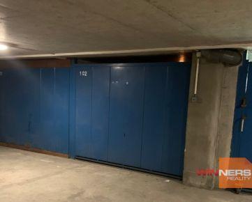 Ponúkame na predaj garáž v hromadnom parkovacom dome pod Billou na Starohorskej ulici v Banskej Bystrici