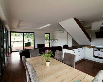 LEXXUS-PREDAJ, luxusný priestranný 5-i. houseboat na Jaroveckom ramene