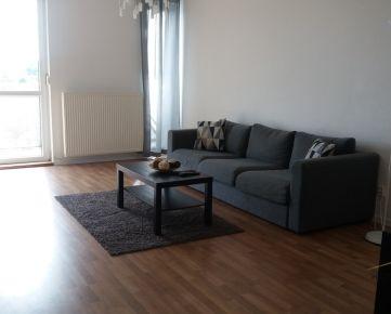 Priestranný 3 izbový byt s terasou a parkovacím státím, Bočná ulica,Stupava, okres Malacky