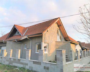 Ponúkame na predaj veľký rodinný dom v obci Malá Mača na pozemku s rozlohou 577m2
