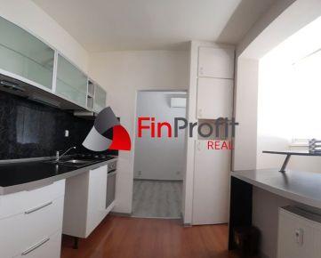 Exkluzívne na predaj pekný, klimatizovaný 3i byt v žiadanej lokalite  Trnava - Prednádražie