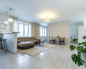 Na predaj zrekonštruovaný 2-izbový byt v Starom meste.