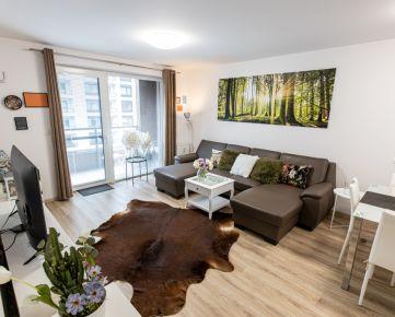 Ponúkame EXKLUZÍVNE na prenájom 2-izbový byt s krásnym výhľadom do parku.