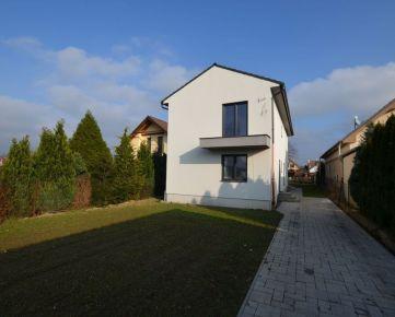 Nadštandardný 5 izbový rodinný dom v tichej lokalite obce Viničné