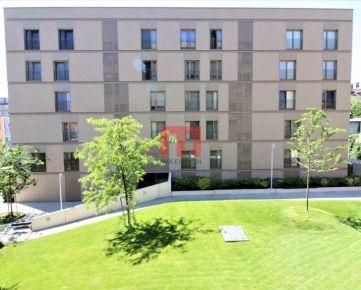 Na prenájom pekný 2 izbový byt s garážovým státím v novostavbe Pri Mýte