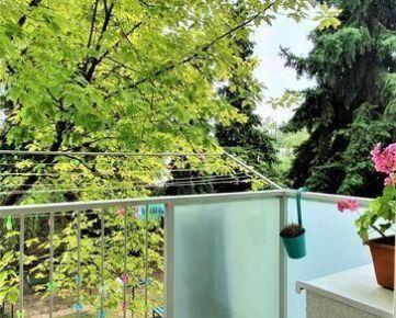 >>>>krásny byt 400m od Štrkovca - TEHLA - výťah - balkón!!!!!