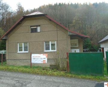 Exkluzívne Vám ponúkame na predaj rodinný dom po čiastočnej rekonštrukcii v obci Podkriváň – Dolná Bzová