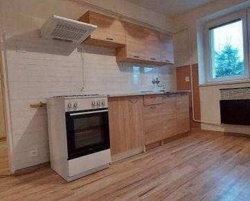 Tehlový  2-izbový byt s balkónom ul. T.Ševčenka  blízko centra mesta