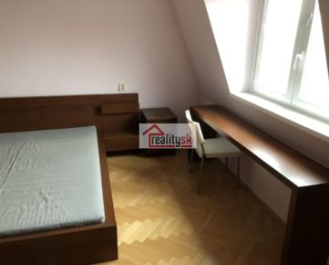 2-izbový väčší byt na prenájom, Vajnorská ulica, prvá zastávka električky od Trnavského mýta, zrekonštuovaný a plne zariadený nábytkom a spotrebičmi