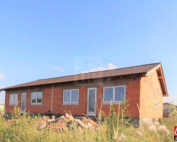 Direct Real - REZERVOVANÉ Novostavba, pekný 3 izbový rodinný dom s krásnym výhľadom na Malé Karpaty