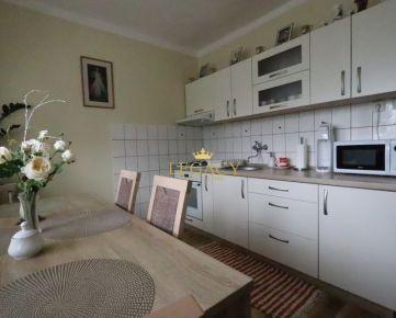 3-izb.byt s garážou a vlastným veľkým pozemkom
