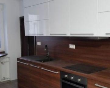 3,5-izbový byt 88 m2  na Záhradníckej ulici, v atraktívnej lokalite Ružinova s parkovaním vo dvore