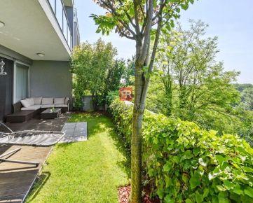 HERRYS - Na prenájom priestranný 3 izbový byt s terasou, predzáhradkou, krbom a dvoma garažovými státiami v uzavretom rezidenčnom areáli Condominium Renaissance