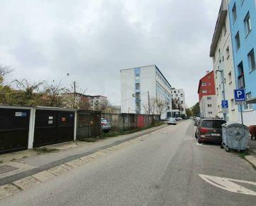 Direct Real - Samostatná garáž, Koceľova ulica, Ružinov