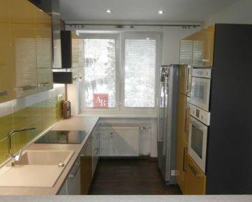 Predaj: 3-izbový byt s balkónom - 81m2, Ružomberok - Polík