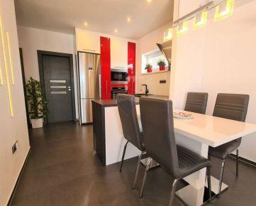 Predaj 3 izbového bytu s komfortom rodinného domu vrátane zariadenia.