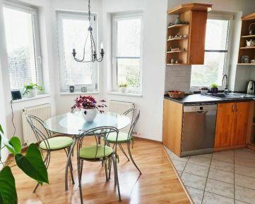 -PAKTIV- NEPREHLIADNITE! 4-izbový rodinný dom s garážou a terasou.