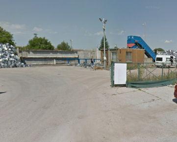 Pozemok na komerčný účel o výmere 1390 m2 v k. ú. Vráble
