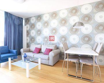 HERRYS - Na prenájom slnečný zariadený 2 izbový byt s výnimočným výhľadom na Bratislavský hrad v PANORAMA CITY