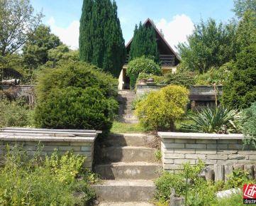 Direct Real - Celoročne obývateľná chata so záhradou a s krásnym výhľadom v Bratislave Dúbravke - výborná investičná príležitosť!