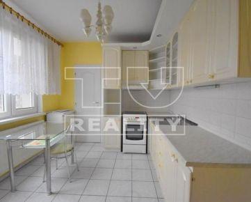 Na predaj 3-izbový byt, 82 m2, ul.Janka Kráľa v obci Bošany. CENA: 74 000,00 EUR