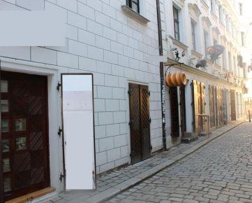 NA PRENÁJOM obchodné priestory na Michalskej ulici